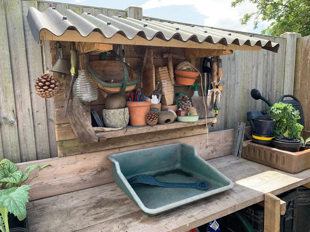 Garden workbench